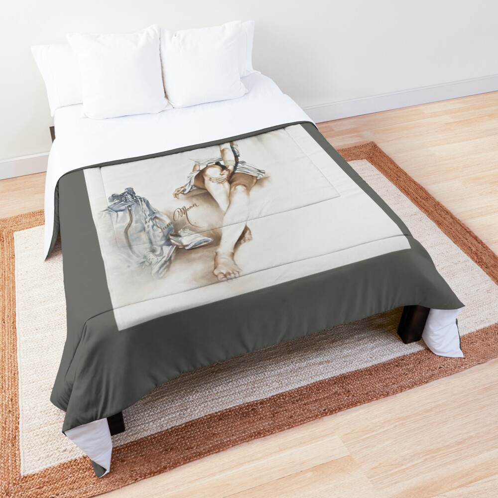 'Relaxed' Comforter by Sara Moon
